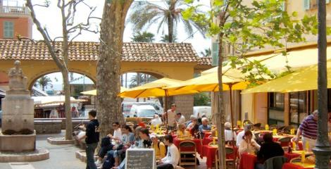 Hôtel Napoléon - Nearby Restaurants