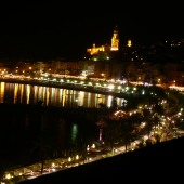 Hotel Napoléon - The old town of Menton seen from a Sea View balcony by night